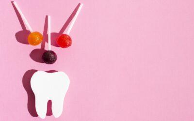 Προληπτική Οδοντιατρική: Γιατί τα γλυκά χαλάνε τα δόντια; Ποιες είναι οι καλές διατροφικές συνήθειες για τη στοματική υγεία;